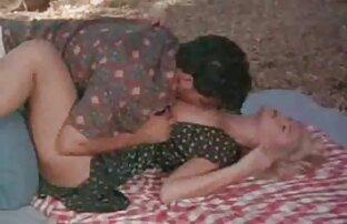 सुंदर गधा सनी लियोन का सेक्सी मूवी प्यार बनाने के प्यार के साथ कुत्ते मुद्रा,